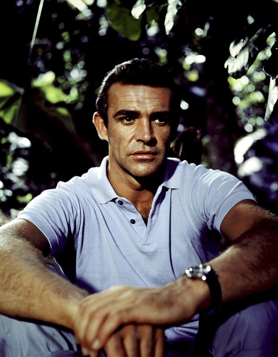 It is said that Ian Fleming lent Connery his Rolex as no watch sponsor was interested in providing a time-piece for Bond. The rubber strap is more rugged than the steel bracelet for actual diving and swimming.